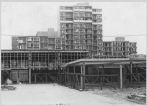 1972 Bouw Winkelcentrum en Hippe Hoogbouw