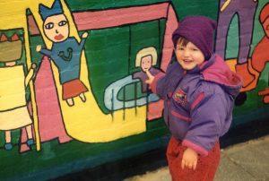 kind-bij-muurschildering-1